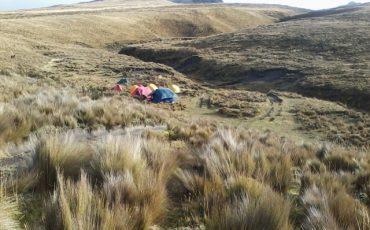 En el Condor Trek pasa las noches en carpas en el paramo de los Andes ecuatorianos.