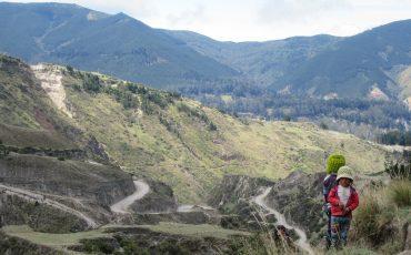 Durante el Quilotoa loop trek se va a encontrar con personas indigenas de los Andes