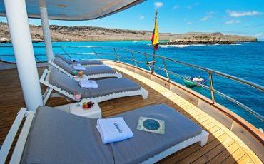 Relaja en la comoda cubierta solar de Odyssey