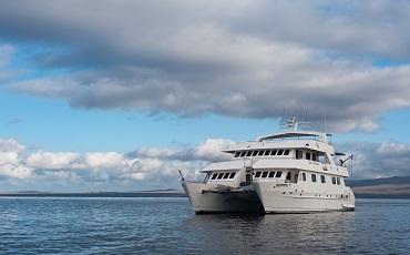 Seaman es un catamaran superior para cruceros en las islas Galapagos.