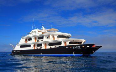 Petrel es un yate de lujo para hacer maravillosos cruceros.