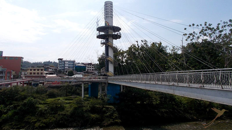 On the bridge over Tena and Pano river there is an observation tower.