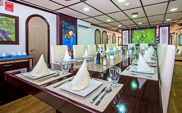 Archipel II – Dining area