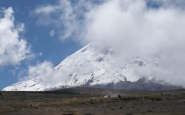 With your rental car you visit the Chimborazo National Park and can enjoy great views of the volcanos.