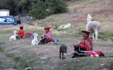 The inhabitants of Cusco are very traditional.