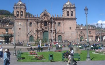 During your Peru Highlights Tour you visit the traditional city Cusco