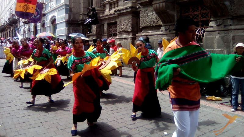 During the Fiestas de Quito uou can observe colorful parades.