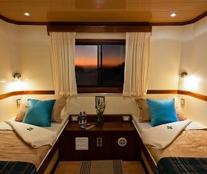 Enjoy your stay on boar Seaman Journey in a comfortable twin cabin.