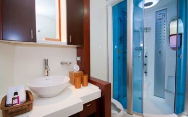 The bathrooms of Cormorant are luxury and comfortable