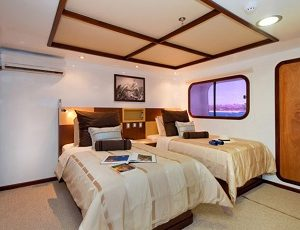 The yacht Cormorant offers comfortable cabins.