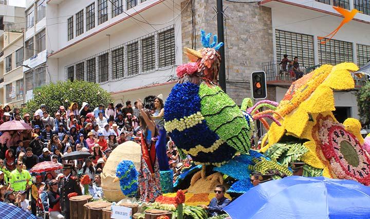 desfile de las flores y las frutas in ambato