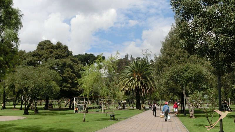 Parks and squares are the green lungs of quito