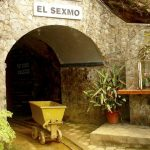In the village of Zaruma you can visit a former gold mine.